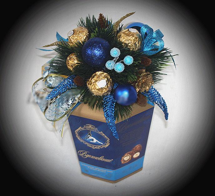 Новогодние подарки из гофрированной бумаги и конфет 38